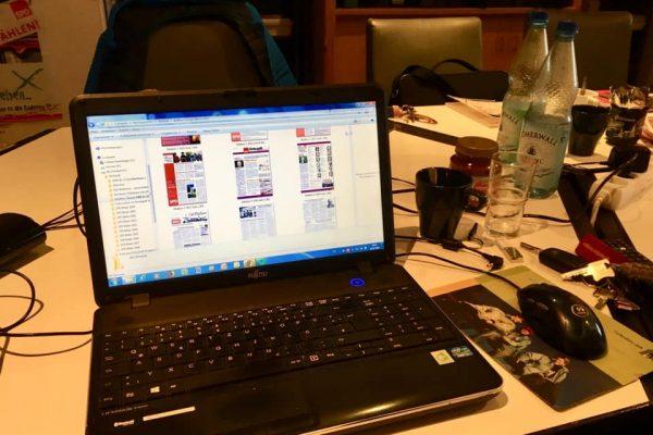 Laptop mit Bildern der Ortsvereinszeitung der SPD Bad Bentheim